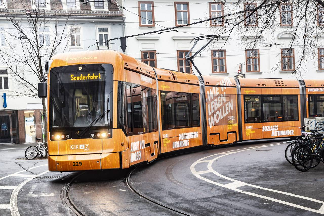 Referenzen TRAFO: Graz Kulturjahr 2020, Straßenbahn © Stadt Graz. Foto Fischer